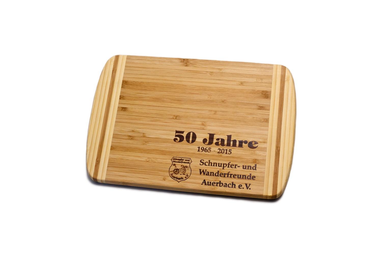 nachhaltiges fr hst cks oder schneide brett aus bambus mit werbemotiv als brandstempel lerche. Black Bedroom Furniture Sets. Home Design Ideas